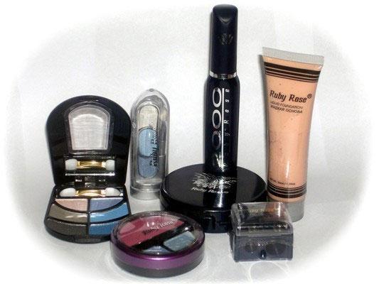 Одни только наборы марки Ruby Rose гарантировали ультрамодный макияж